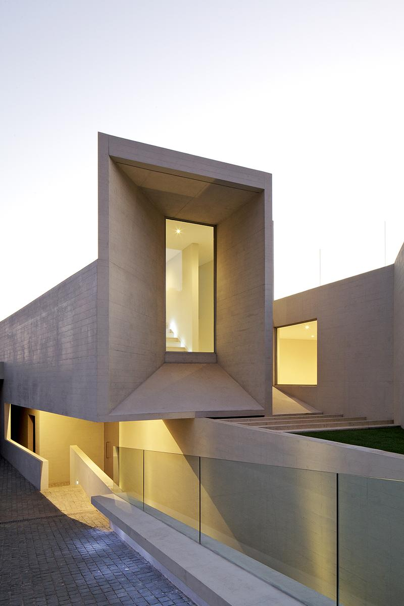 House for Marcelo Rios