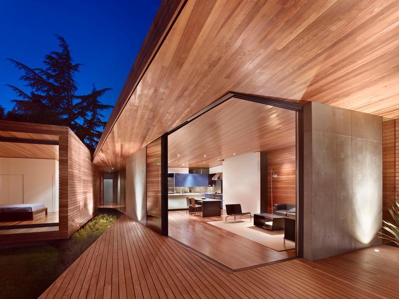 Living space at garden/ Bruce Damonte