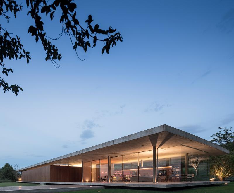 Redux_house(2) / Fernando Guerra