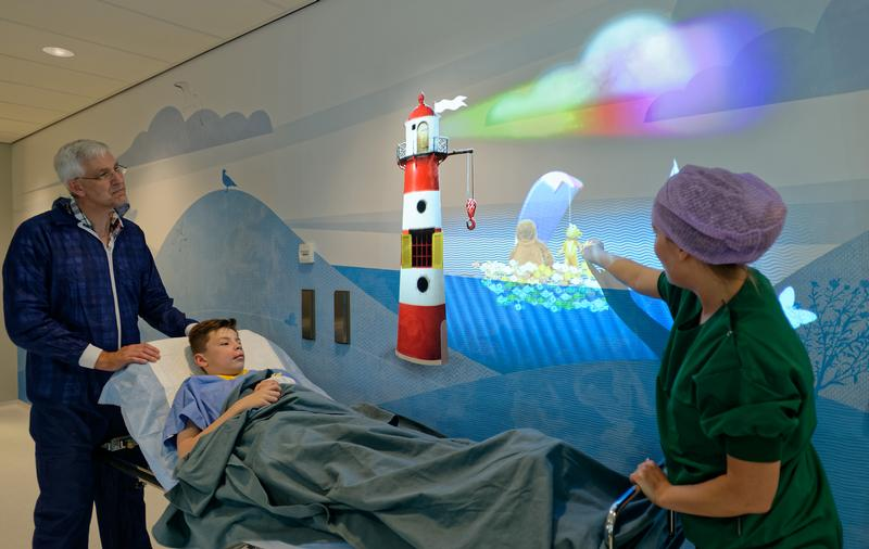 Animated projections in the OK-sluice to distract the patients, photo by Wim Verbeek