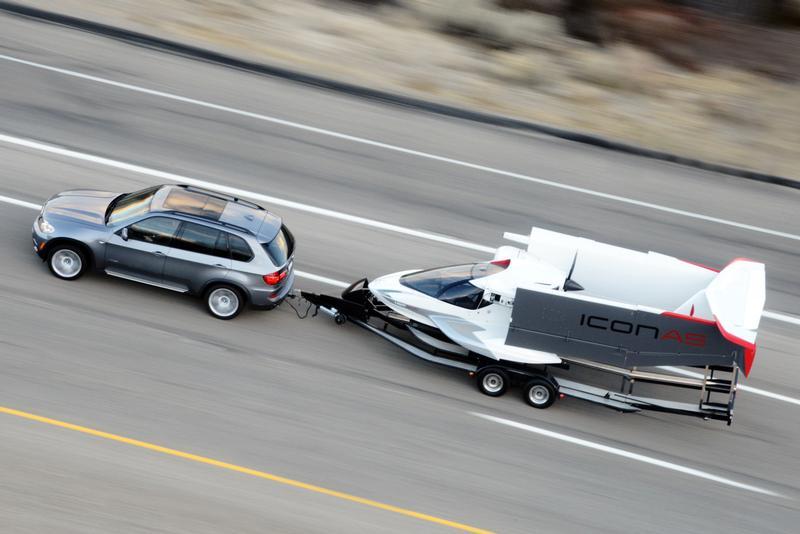 Folding wings permit trailering